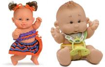 На картинке представлена кукла пупса, которую можно приобрести в магазине Антошка